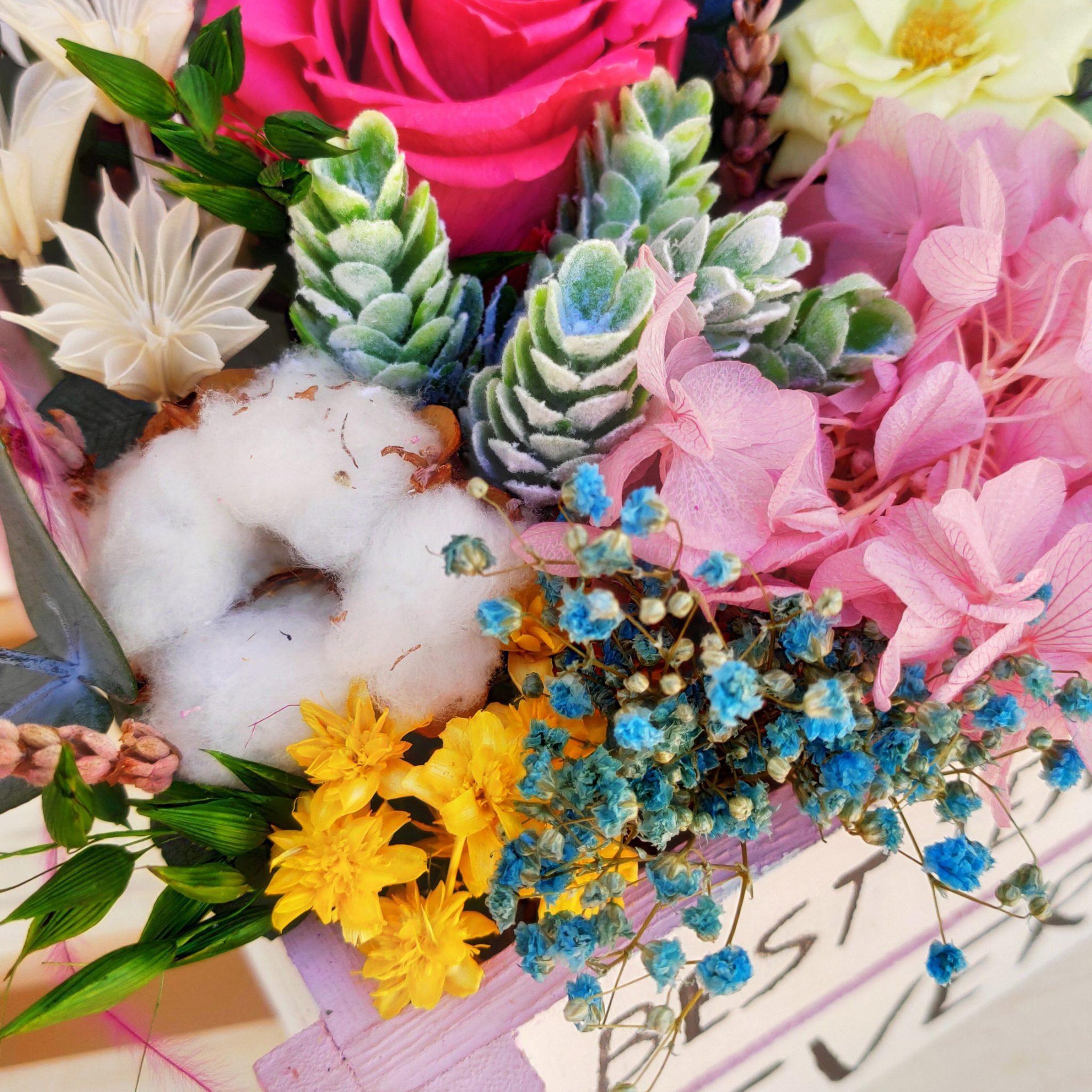 Centro de flores preservadas personalizado