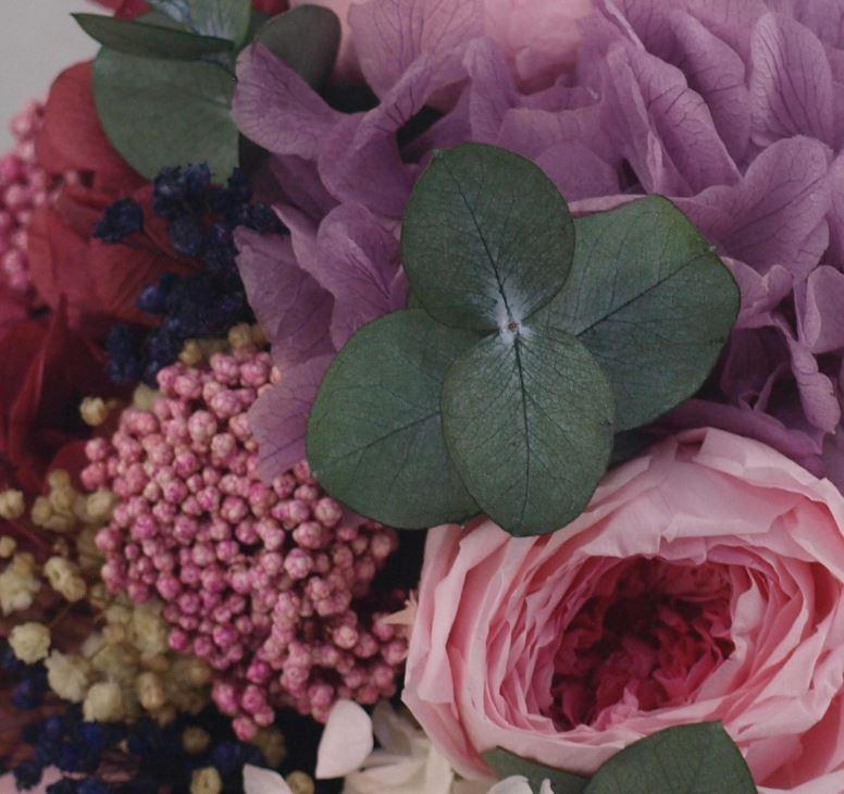 Detalle ramo de novia flores preservadas Lily Rose