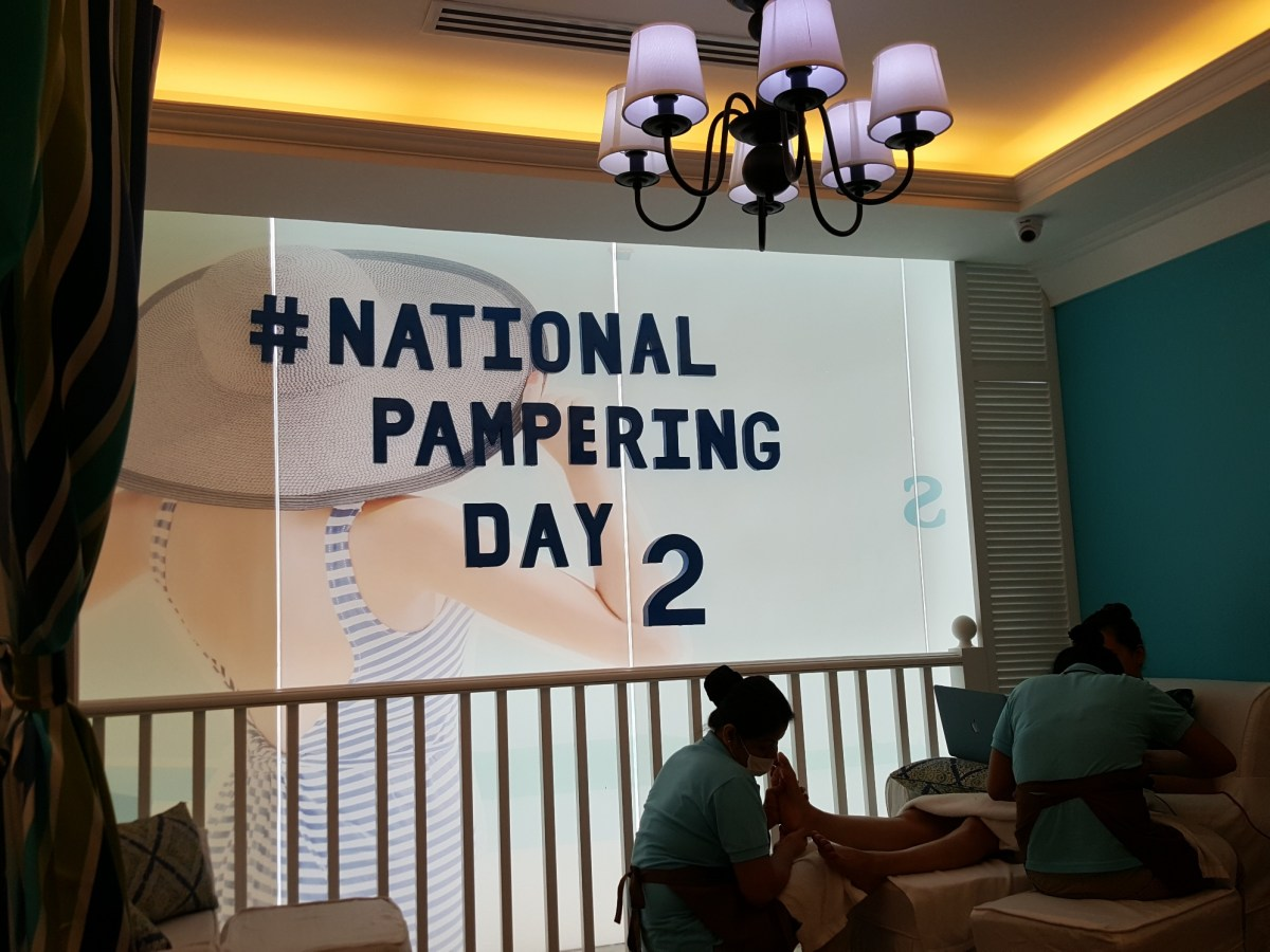 NAILAHOLICS: GET FREE BEAUTY SERVICES ON NATIONAL PAMPERING DAY