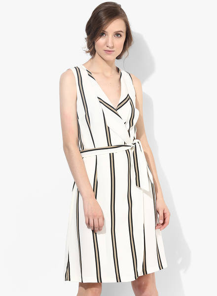 Dorothy-Perkins-White-Colored-Printed-Shift-Dress-With-Belt-6126-8365841-1-pdp_slider_l