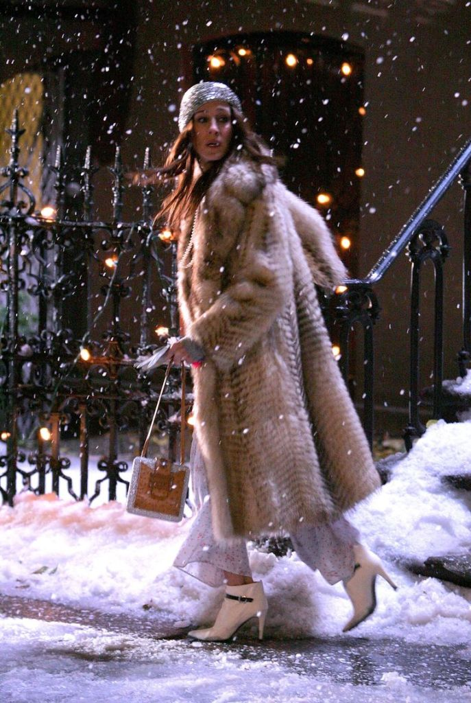 Carrie Bradshaw dons fur coat and heels in the snow for NYE to meet Miranda in the first Sex and the City film