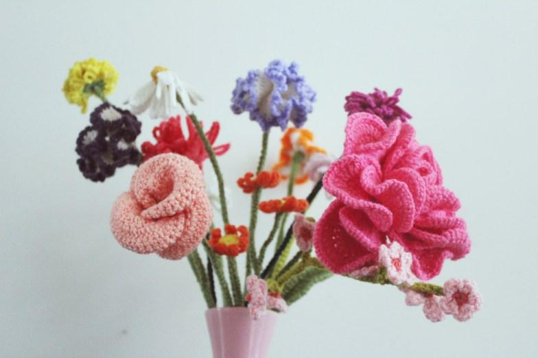 finding-beautiful-flowers-to-crochet-4