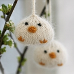 knitted-drops-easter-chickens