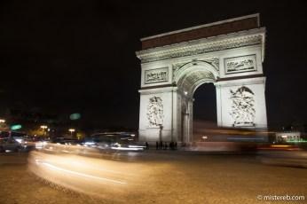 Arc de Triomphe anarchy
