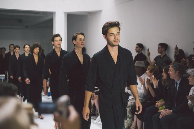 backstage-agnès-b-fashion-show-ss16-menswear-paris-fashion-week-blogueur-homme-bordeaux-paris-fashion-blogger-models-francisco-lachowski-djavan-mandoula-sam-lammar-elite-paris-success-paris-new-madison-paris-agency