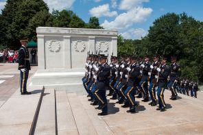 Tomb of the Unknowns at Arlington Cemetery