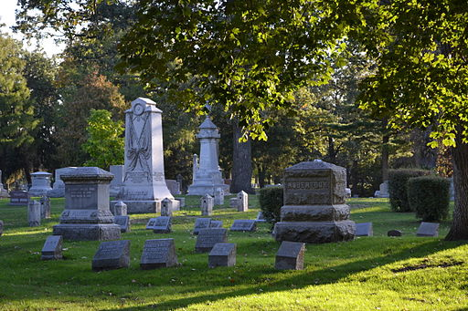 headstones in Oakland Cemetery