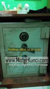 Tukang Kunci Brangkas Panggilan di Jabungan, Banyumanik, Semarang hubungi 0896-5639-3339