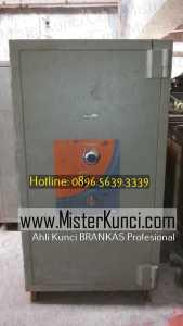 Jasa Ahli Kunci Brankas Panggilan Profesional Terpercaya di Bergas Lor, Bergas, Semarang hubungi 0896-5639-3339