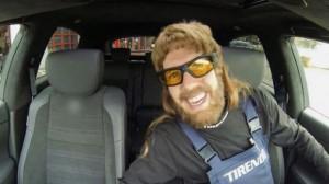 Sebastian-Vettel-garagiste-tirendo
