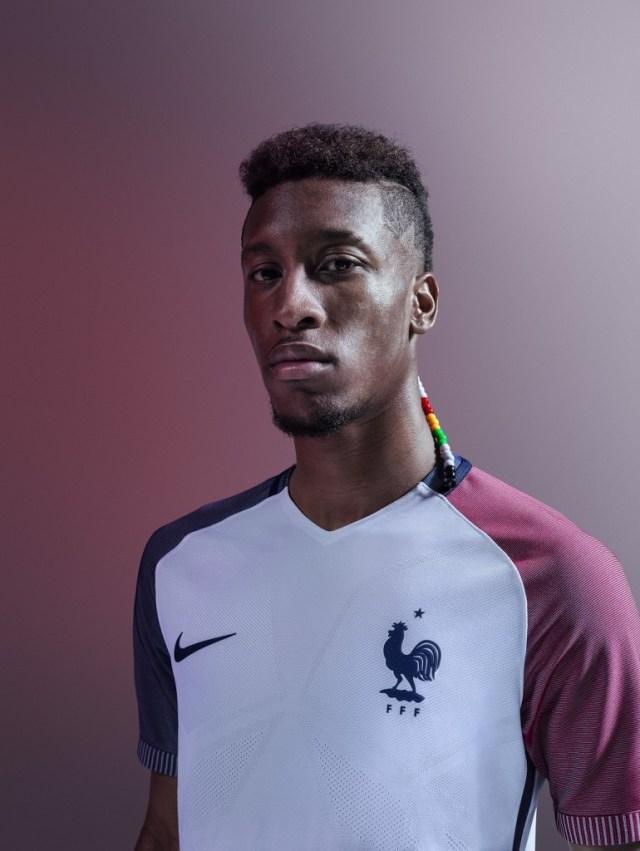 Kinglsey-Coman-maillot-extérieur-Equipe-de-France-EURO-2016-Nike