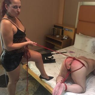 dominadoras sex machine anal (3)