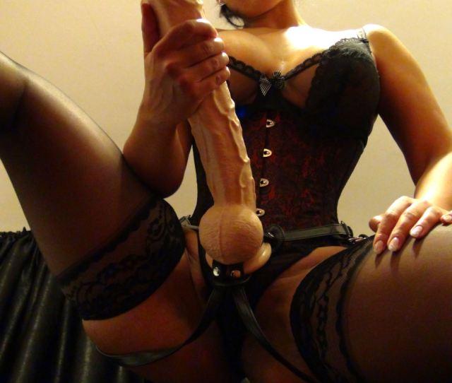 Huge Strap On Mistress Ezada
