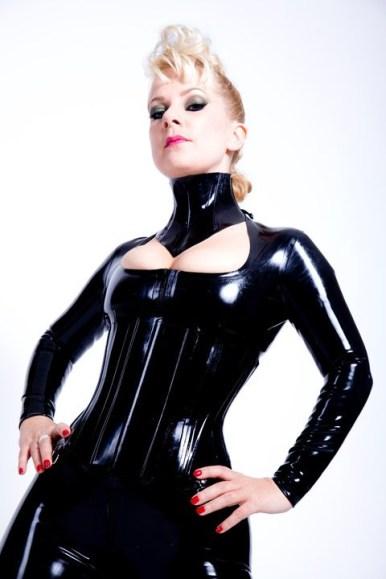 Mistress Serena mistress prodomme kink fetish blonde