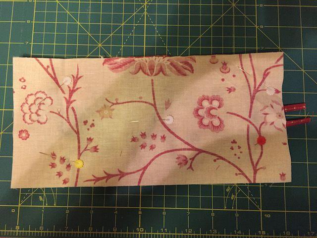 Sujetar con alfileres y coser