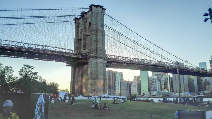 Puente Brooklyn desde Parque Empire Fulton