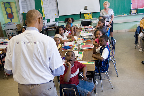 語学学校選びはネット上の評判を気にしても無意味…先生の教え方の違いがクラスにもたらす影響