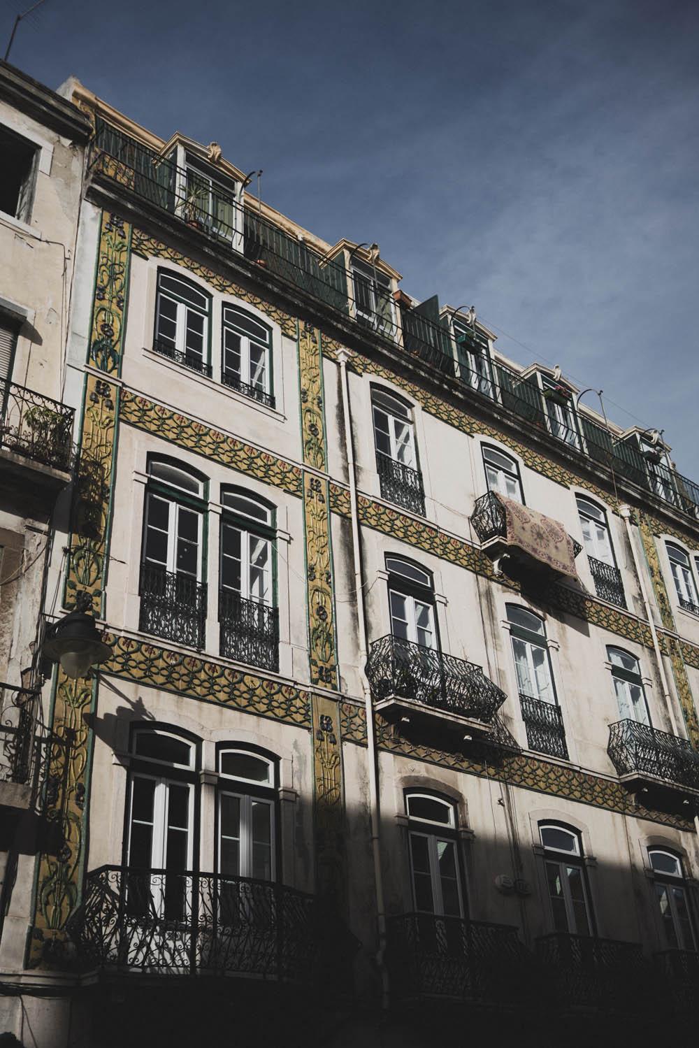 Alte Fassaden in Lissabon