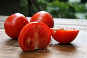 tomato-959930_1280