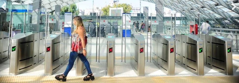 Cómo funcionan las nuevas puertas GATE en el Centro de Trasbordo de Constitución