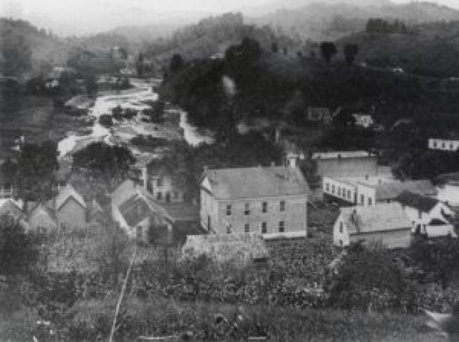 Bakersville in the summer of 1905 or 1906.