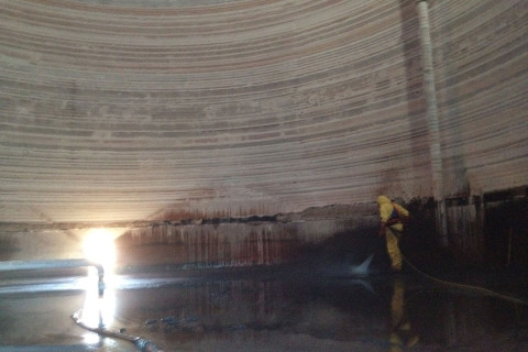 Caustic Soda Tank Cleans & Inspections (2)