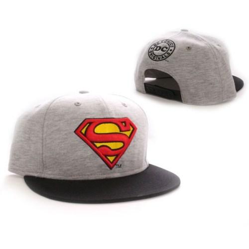 cappello con visiera superman dc comics