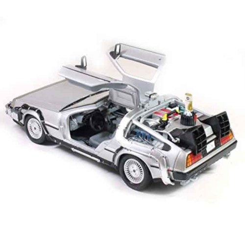 Modellino scala 1 a 24 Delorean Back to the Future 2 dettaglio porte