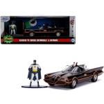 Modellino Classic TV Series Diecast Batmobile e Batman 1 a 32 Jada Toys