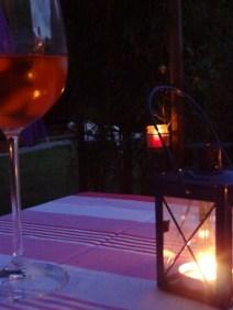 Romantische Abendstimmung beim Grillen