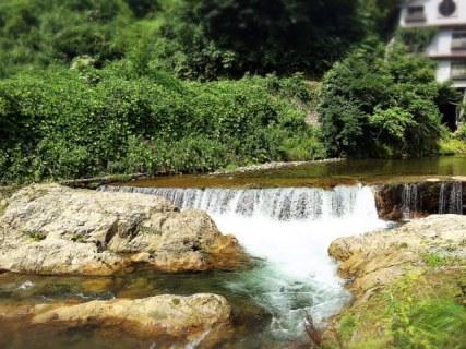 大湯温泉の上流 佐梨川