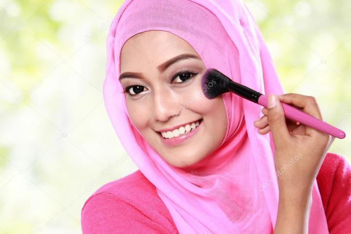 Cara Ampuh Membersihkan Kuas Make Up