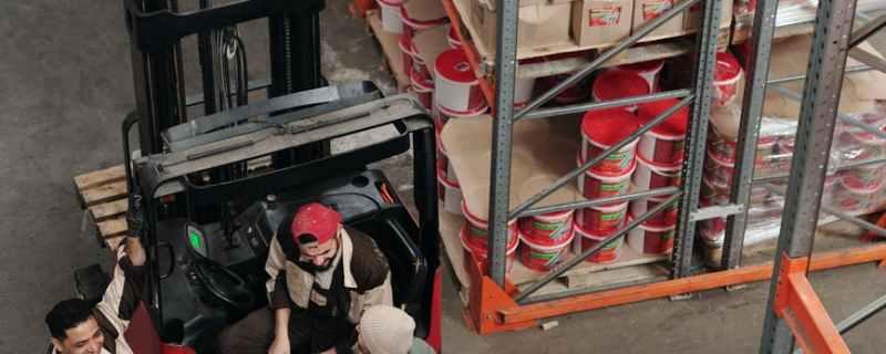 Forklift Driver Job Description in a Safe and Time Saving Manner