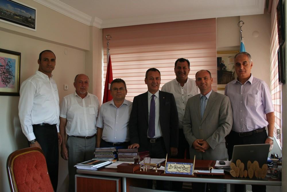 MİTSO Yönetim Kurulu İl Kültür ve Turizm Müdürü Dr. Kamil Özer'i ziyaret etti.