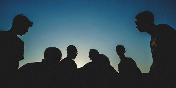 Bolhas sociais podem ser a melhor forma das sociedades saírem do confinamento - MIT Technology Review