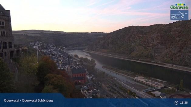 Schönburg-Panorama am frühen Sonntagabend . Foto: Stadt Oberwesel.
