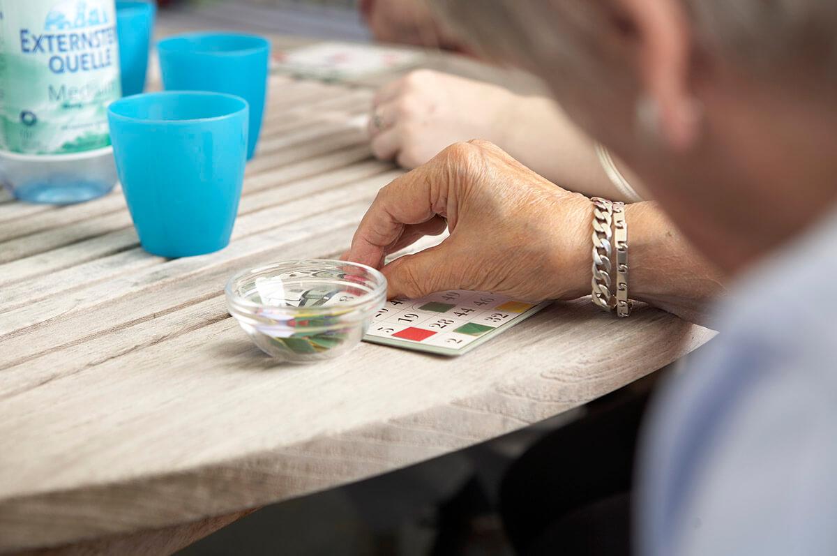 mittendrin im kalletal - Bingo spielen auf der Terrasse
