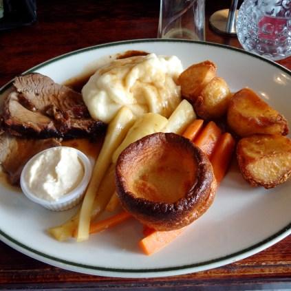Sunday Roast at The Three Horseshoes