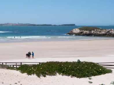 Baleal-stranden med Peniche i bakgrunnen. Baleal, Portugal. Foto © RoyGabrielsen.com