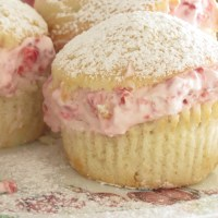 Raspberry Creme Cupcakes