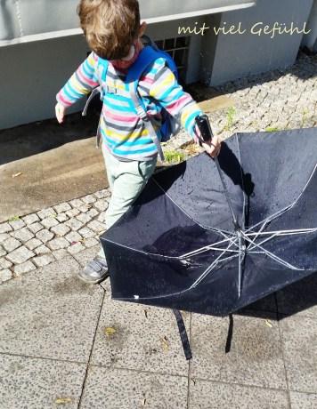 22. Regenschirm verkehrt herum