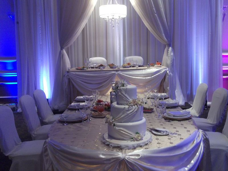 Mitzuyan wedding with dais table and East Indian theme