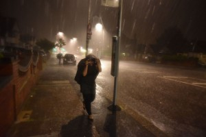 Torrential-rain-and-lightning-hit-London-during-a-thunderstorm (1)