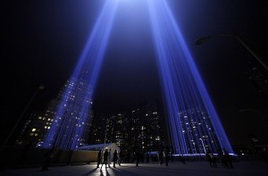 "The ""Tribute in Lights"" is seen in lower Manhattan on the 10th anniversary of the 9/11 attacks on the World Trade Center, in New York September 11, 2011. REUTERS/Eric Thayer (UNITED STATES - Tags: ANNIVERSARY DISASTER)"