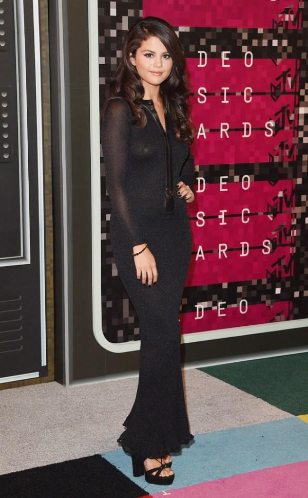 look Selena Gomez VMA 2015