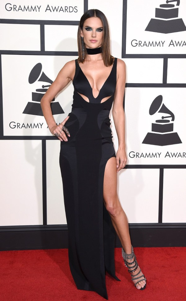 look Alessandra-Ambrosio-grammy awards 2016