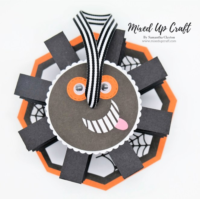 Pull Up Accordion Spider Card
