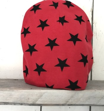 Rood mutsje met sterren