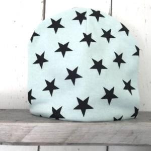 Mintgroen mutsje met sterren