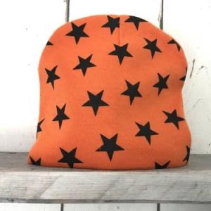 Oranje mutsje met sterren
